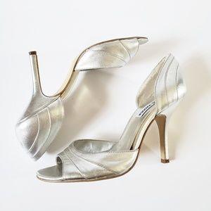 Steve Madden leather silver heels